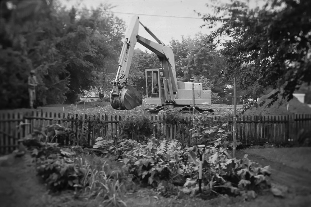 Excavating the church lot 1978