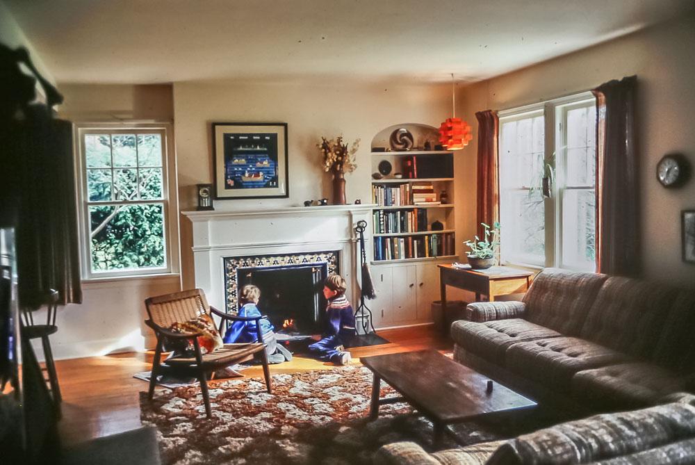 12 Pickford living room - November 1982