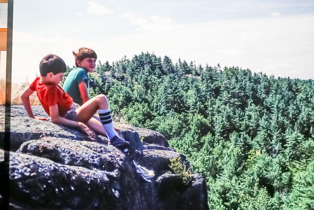 1985 Mount Dunder