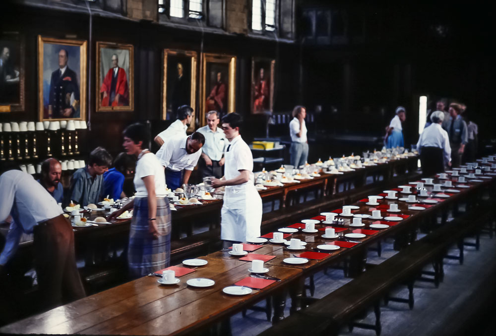 Dinner at Balioul College, a June 2986