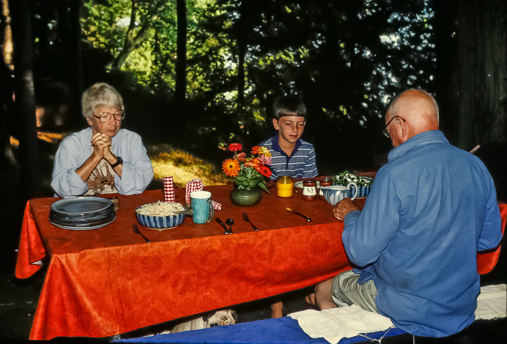Island supper with Eleanor, 1986