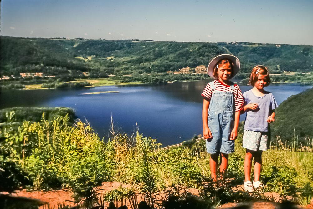 1999 Amanda and Emily on way to Utah