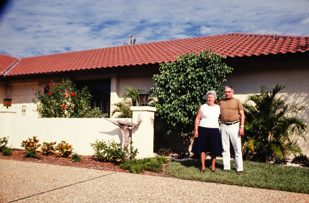 1980 Ed and Dot Fox in front of Diamond's House
