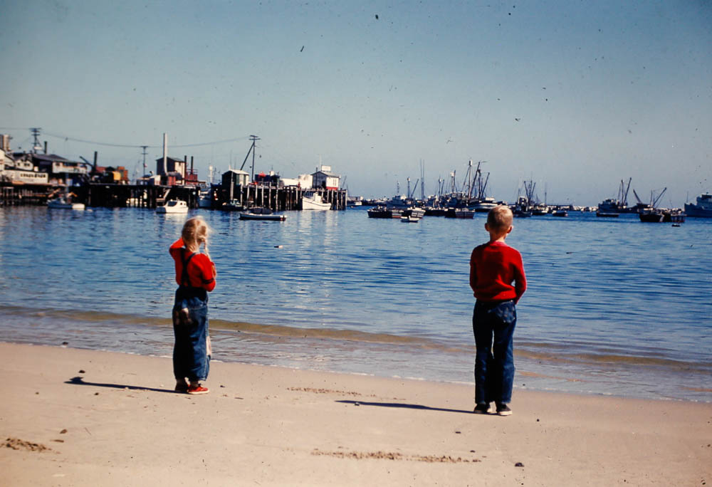 1953 David and Liz on the beach (San Diego?)