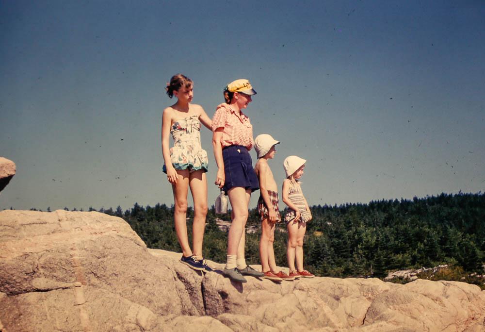1954 Mary, David, Liz,