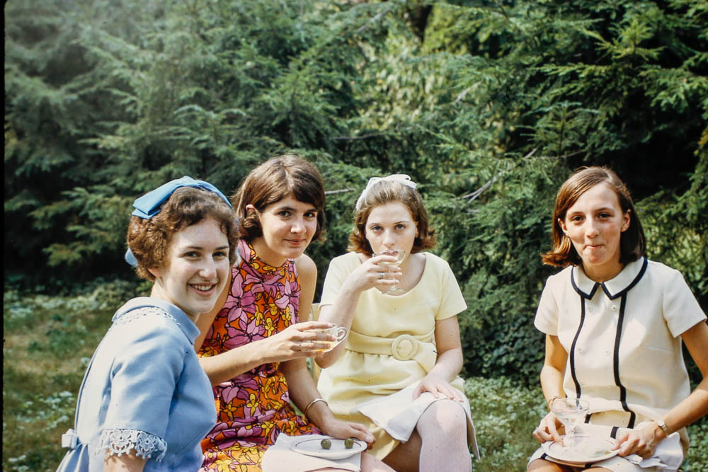 1968 Janet's college friends - Kate, Debby, Peggy, and Teddy