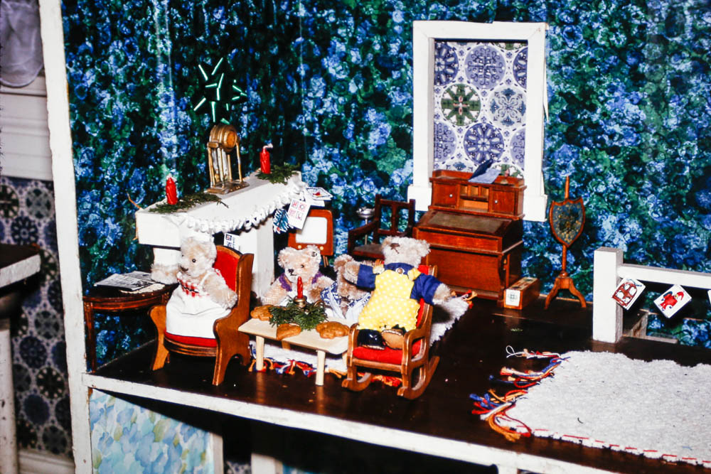 1972 The doll house