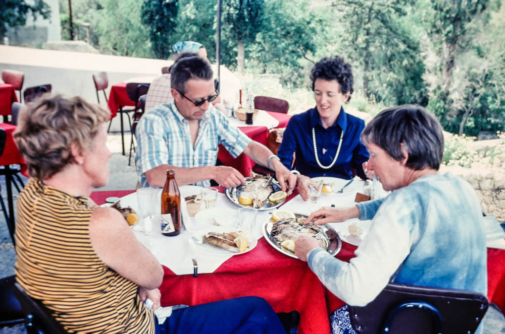 1976 Barbara, Margie, vand others in Greece
