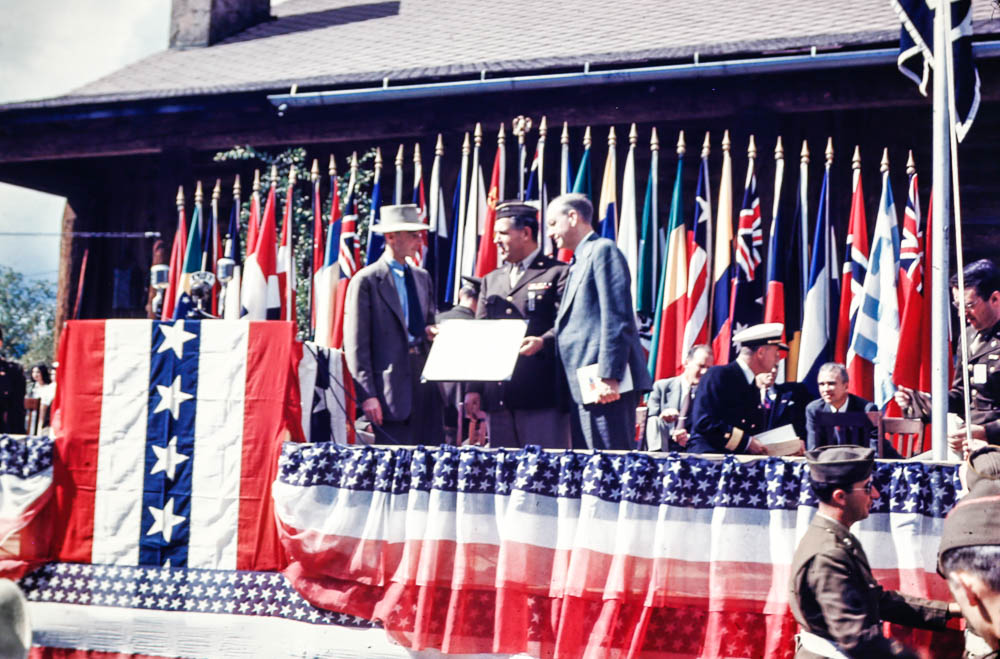 1946 Los Alamos post-war ceremony